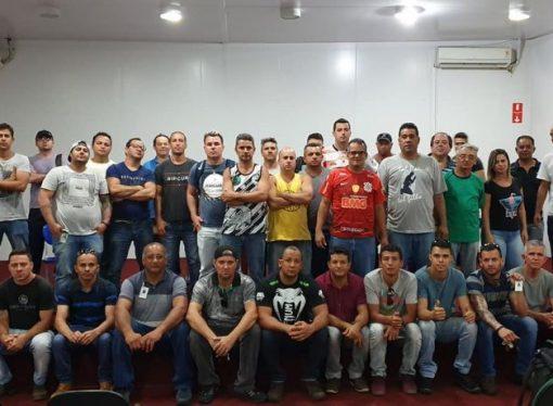 Petroleiros terceirizados pedem demissão em massa na refinaria de Cubatão