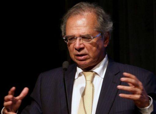 Bolsonaro sanciona MP que permite acordos de redução de jornada e salário