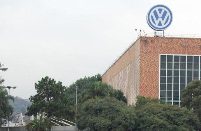 Metalúrgicos do ABC iniciam negociações com Volks para evitar demissões no país