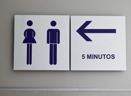 Empresa terá de indenizar trabalhadora com tempo limitado para ir ao banheiro