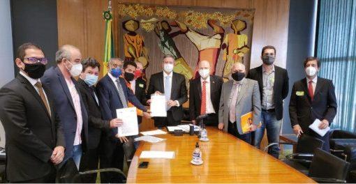 Sindicato, IndustriALL e centrais se reúnem com presidente da Câmara por vacinação e proteção ao emprego